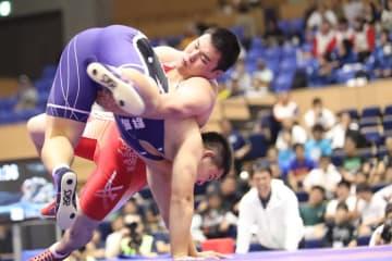 少年125kg級で優勝し、高校三冠を制覇した出頭海=撮影・矢吹建夫)