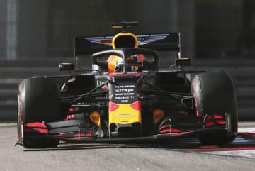 F1ロシアGPで走行するレッドブル・ホンダのマックス・フェルスタッペン=ソチ(ロイター=共同)