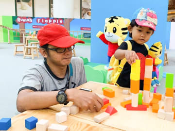 Shimajiro Play Park provides a place where children and parents together can play and learn about words and numbers. (Photo courtesy of PT. Benesse Indonesia)