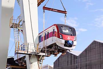 Japan's Hitachi Ltd. starts shipping cars for Thailand's Red Line metropolitan railway project. (Photo courtesy of Hitachi Ltd.)