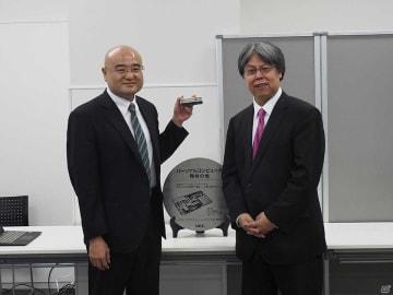 写真左から郡司照幸氏と三津原敏氏。