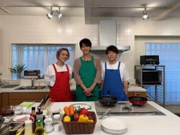 「ヒルナンデス!」に新たに出演する杉野遥亮さん(中央)=日本テレビ提供