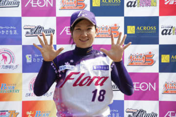 今季10勝目を挙げた京都フローラ・小西美加【写真提供:日本女子プロ野球リーグ】