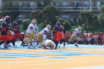 第2Q、伊藤宏一郎選手がエンドゾーンにボールを持ち込みTD(撮影・石井達也)