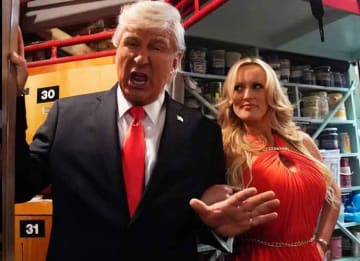 Stormy Daniels Tells 'Donald Trump' To Resign In 'Saturday Night Live' Sketch [VIDEO]