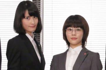 連続ドラマ「同期のサクラ」の会見に登場した橋本愛さん(左)と高畑充希さん