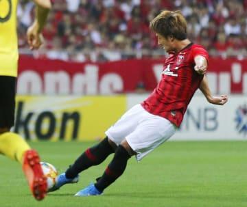 浦和―広州恒大 後半、ゴールを決める浦和・関根=埼玉スタジアム