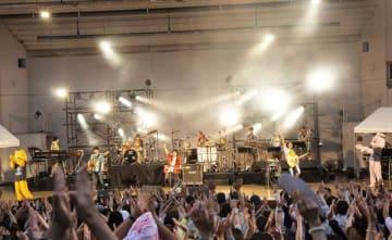 9月29日@大阪城音楽堂 photo by Mariko Miura