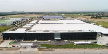 Japanese zipper maker YKK Corp. starts operation of its second plant in Vietnam in the northern province of Ha Nam on Oct. 1, 2019.(Photo courtesy of YKK)