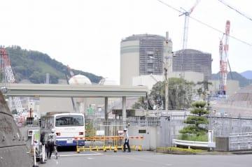 40年超運転に向け、安全対策工事が進められている高浜原発=10月2日、福井県高浜町田ノ浦