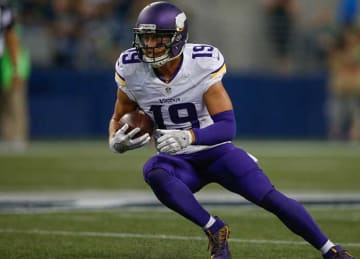 WR Adam Thielen Re-signs with Vikings