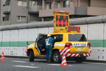 首都高での事故処理車【画像はイメージです】