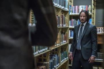 図書館ではお静かに! ジョン・ウィックの戦いは冒頭からハイテンション - (R), TM & (C) 2019 Summit Entertainment, LLC. All Rights Reserved.