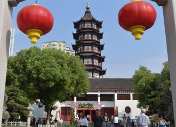国慶節連休、観光客でにぎわう「縄金塔」 江西省南昌市