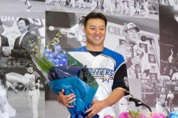 今季限りで現役を引退した日本ハム・田中賢介【写真:石川加奈子】