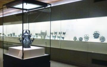 奈良国立博物館の「青銅器館」=4日、奈良市
