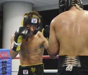ワールド・ボクシング・スーパーシリーズ(WBSS)決勝へ向けて練習する井上尚弥=横浜市