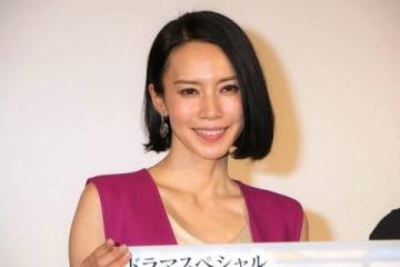 ドラマスペシャル「あの家に暮らす四人の女」のトークイベントに登場した中谷美紀さん