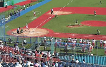 五輪本番さながらに運営された日本女子ソフトボールリーグ1部の試合