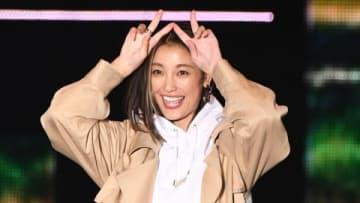 「Rakuten GirlsAward 2019 AUTUMN/WINTER」のランウエーを歩いた木下優樹菜さん