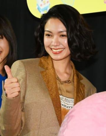 映画「生理ちゃん」の完成披露舞台あいさつに登場した二階堂ふみさん