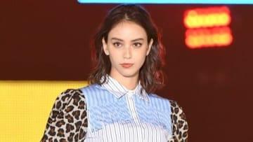 「Rakuten GirlsAward 2019 AUTUMN/WINTER」に出演した滝沢カレンさん