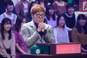10月18日に放送されるバラエティー番組「クイズ あなたは小学5年生より賢いの?」に出演するHIKAKINさん=日本テレビ提供