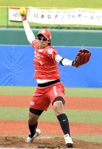 【トヨタ自動車―ビックカメラ高崎】先発し、7回を完投したビックカメラ高崎の上野投手