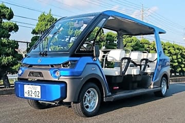 東近江市奥永源寺地域の自動運転サービスの長期実証実験で使用されるゴルフカート型の車両(国土交通省提供)