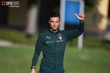 イタリアが新カラーのユニフォームを採用
