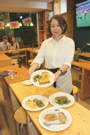 「ウェールズの伝統料理と県産食材の融合を楽しんで」とNPO法人ベッププロジェクトの月田尚子さん=別府市北浜