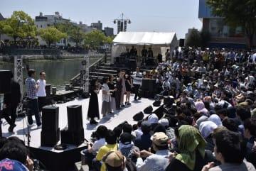 写真を拡大 5月に開かれたマチ★アソビvol.22開会式の様子=徳島市