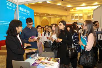ウズベキスタンで中国高等教育展