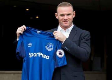 Wayne Rooney scores spectacular goal in return to Everton
