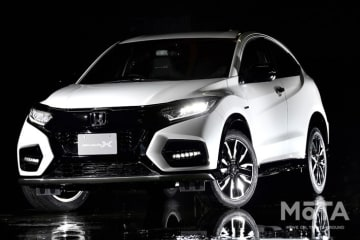 ホンダアクセス ヴェゼル ツーリング Modulo X・Honda SENSING 外装色:プラチナホワイト・パール 第46回東京モーターショーにて展示