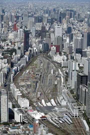 JR品川駅(手前)
