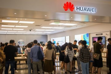 A Huawei offline shop on Sept 28, 2019, in Beijing. (Image credit: TechNode/Coco Gao)
