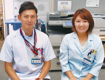 ソーシャルワーカーの友田さん(左)と山田さん