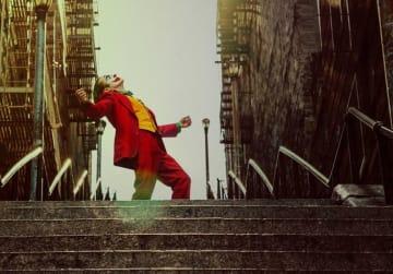 狂気に突き進むアーサー(フェニックス)Photo : Warner Bros. Pictures