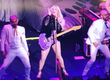 Kesha performs at the Greenwich Film Festival (Photo: Erik Meers/uInterview.com)