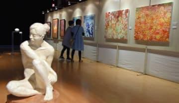 感性豊かな作品が並ぶ「新しいAIZUの美術展」