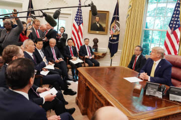 トランプ大統領、劉鶴氏と会見 中米協議進展を歓迎