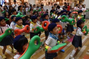音楽に合わせて3B体操を楽しむ子どもたち