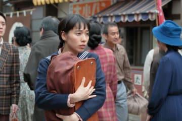 戸田恵梨香、15歳のヒロインを熱演! - 提供:NHK