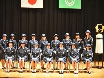 女性ならではの視点で活動に取り組む関市消防団女性分団のメンバー=関市若草通、市学習情報館
