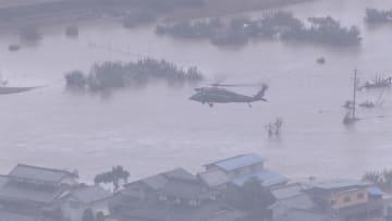 長野・千曲川氾濫 自衛隊救助続く 台風19号 死者12人