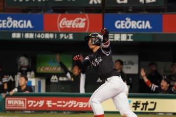 この日2本目となる本塁打を放ったソフトバンク・今宮健太【写真:荒川祐史】