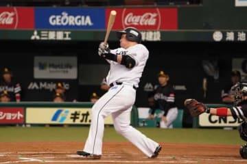 本塁打を放った西武・山川穂高【写真:荒川祐史】