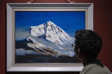 高原雪山画派の作品展が開幕 チベット自治区ラサ市