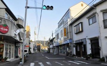 社会実験を行う伊予市の「国鉄通り商店街」